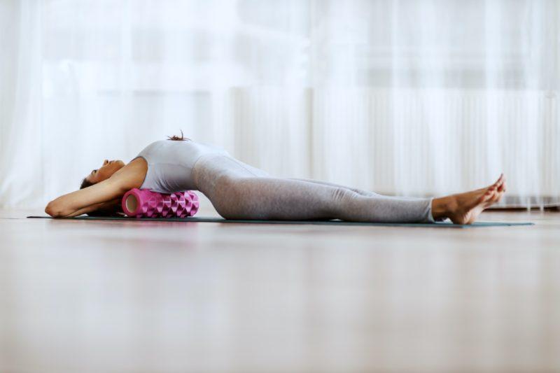 masážny valec a masírovanie chrbta