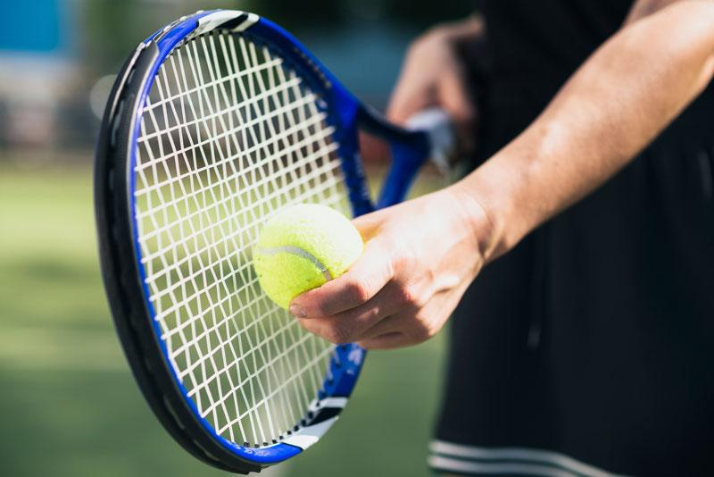 tenis raketa loptička