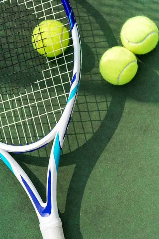 tenisové rakety a loptičky