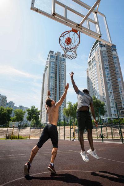 hráči basketbalu