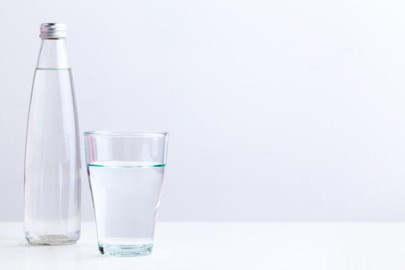pohár vody