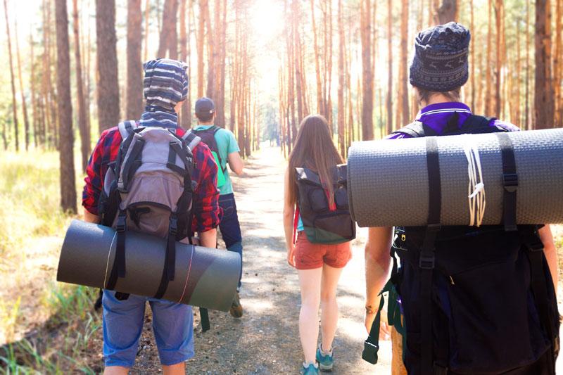 skupinka turistov