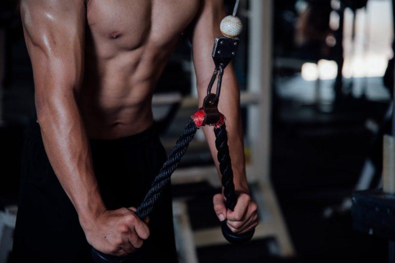 ako nabrat svaly silovy trening