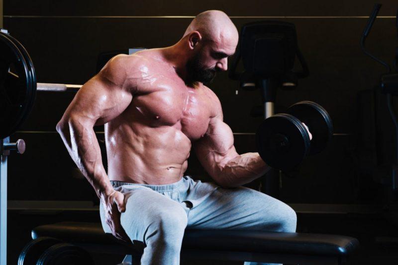 silovy trening rast svalov sila objem cviky