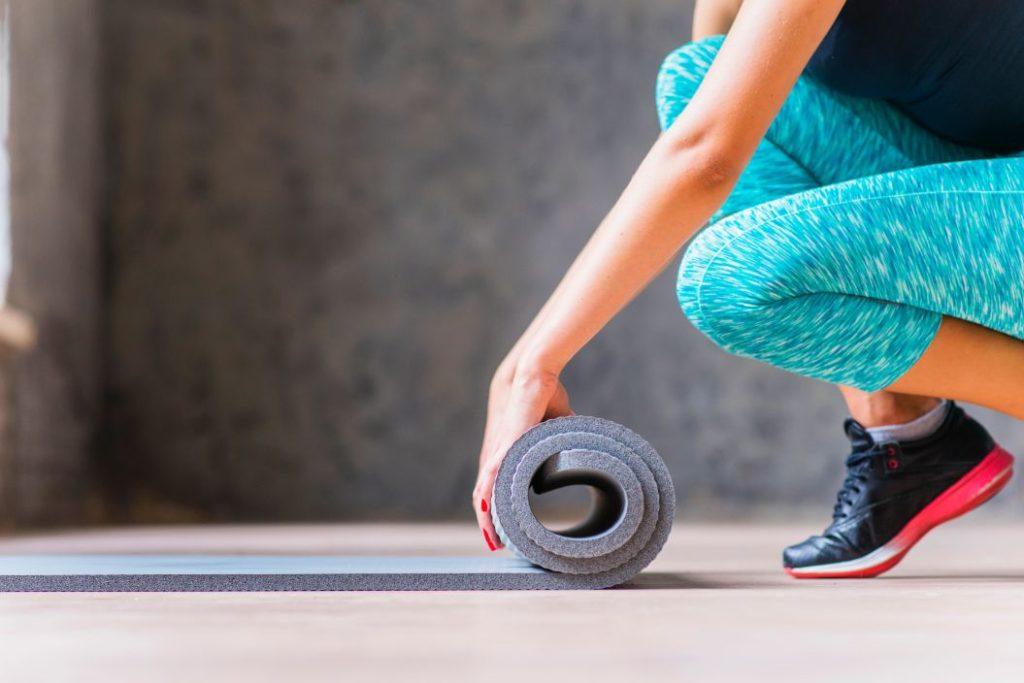 rolovanie joga podložky