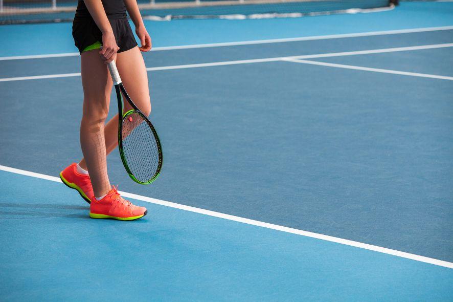 oranžové halovky na tenis