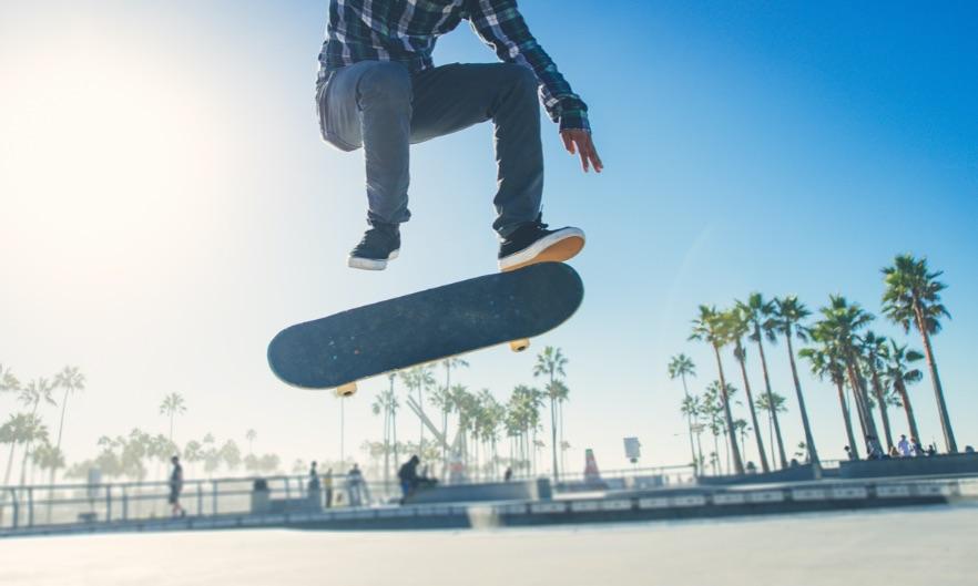 skok na skateboarde
