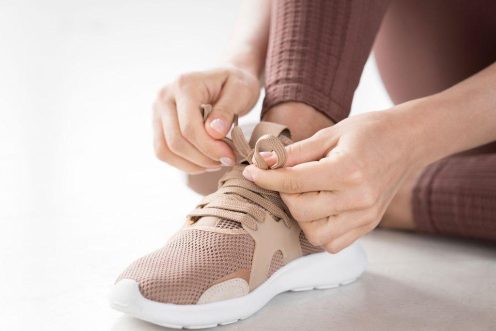 zaväzovanie topánok