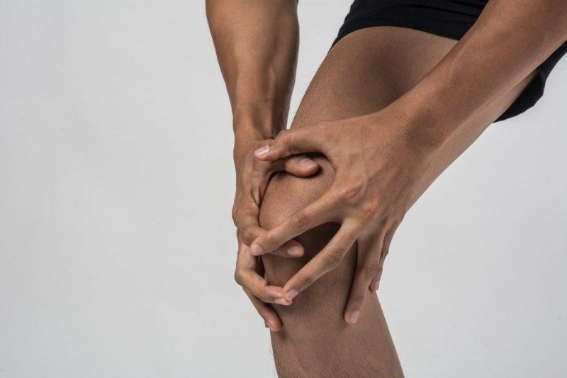bolesť kolien šport po behu bežecké koleno