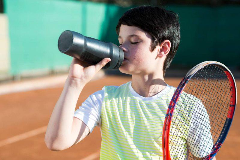 deti pitný režim šport tenis
