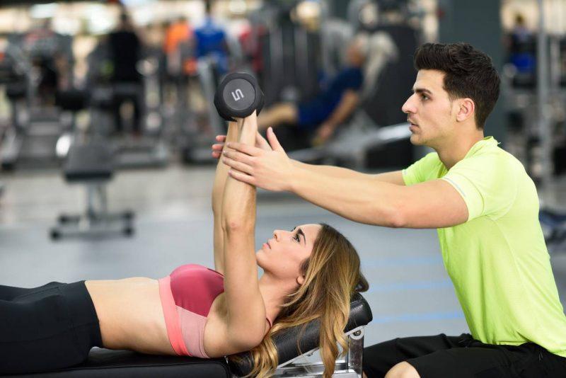 tréning do posilňovne s trénerom